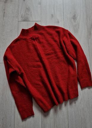 Вязаный свитер, красный