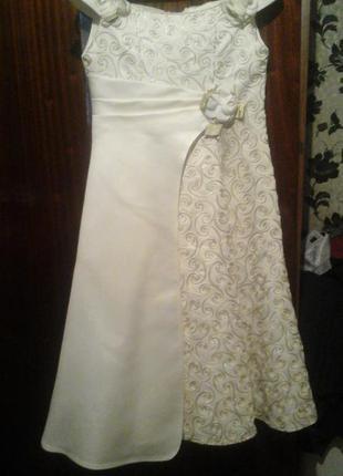 Платье детское нарядное атлас узоры корсет белое цветы выпуск