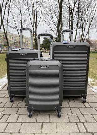Качественный чемодан польша на колесах,валіза,сумка на колесах,дорожная сумка !