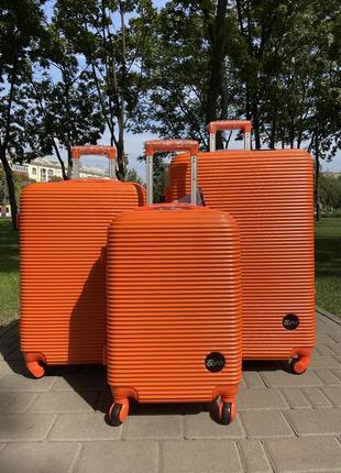 Впечатляющий!чемодан польша на колесах,валіза,сумка на колесах,дорожная сумка !