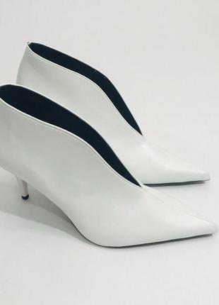 Нежные волшебные туфли лодочки ботильоны белые zara