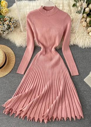 Трикотажное платье с плиссировкой 5 цветов