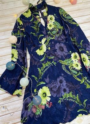 Красивое цветочное платье с чокером next