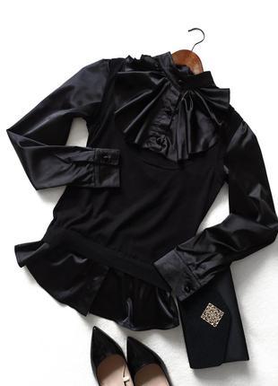 Блузка с жилеткой и баской