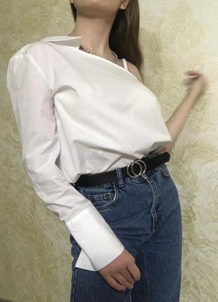 Оригинальная блуза рубашка на одно плечо . новая!!