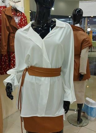 Блуза удлиненная с трендовым поясом