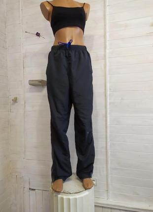 Спортивные штаны на сетке подкладке