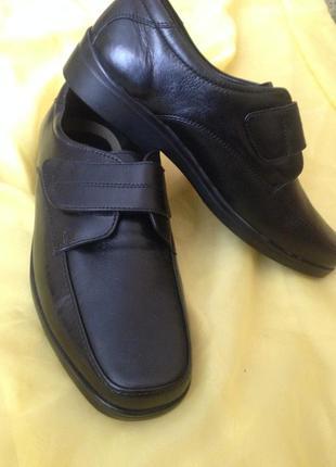 Туфли кожаные-43 размер -pavers