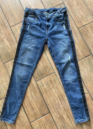 Zara классные джинсы для парня 11-12 лет с лампасами