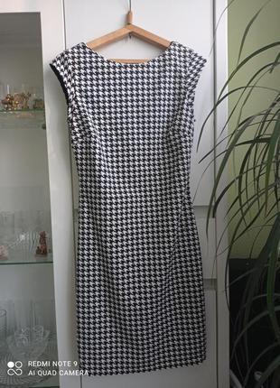 Гусиная лапка чёрное белое стрейч платье футляр с коротким рукавом