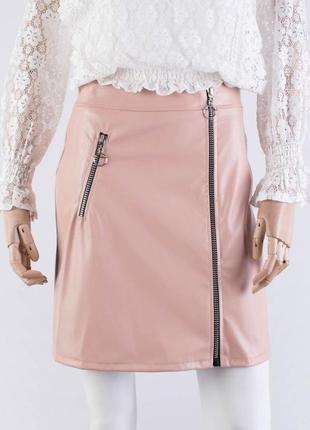 Женская бежевая юбка из эко-кожи