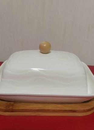 Фарфоровая масленка маслянка