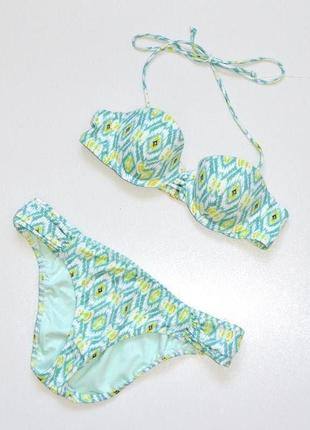 Victoria`s secret  красивый купальник трусики  s-ка,бюстик 32 а