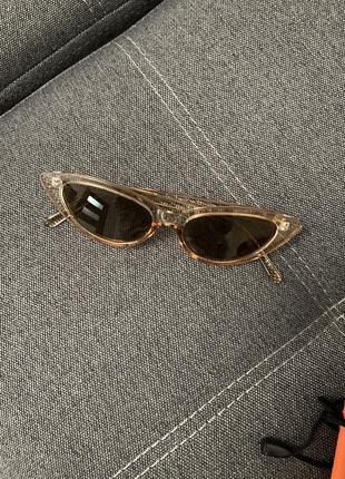 Очень стильные солнцезащитные очки
