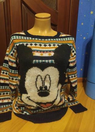 Очень крутой свитер мики 6-8размер