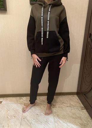 Спортивный костюм на флисе, худи и джогеры, тёплый спортивный костюм