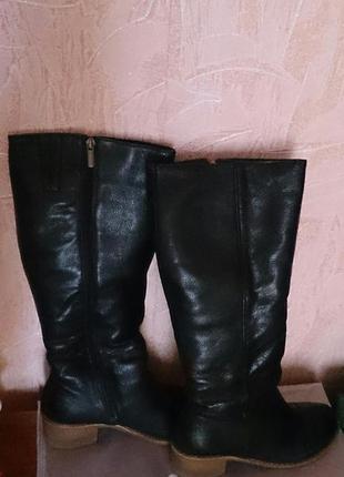 Зимние теплые женские кожаные сапоги 40 размера.