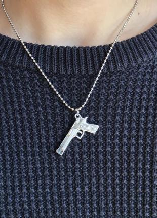 Кулон «пистолет»
