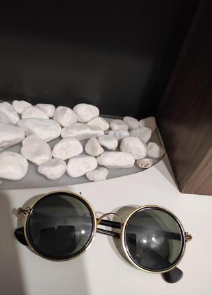 Стильные очки круглой формы