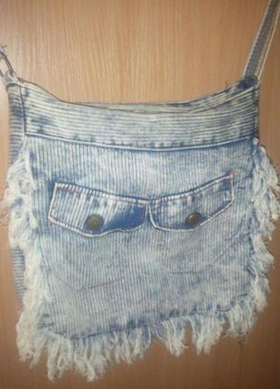 Стильная джинсовая сумочка с регулируемой ручкой