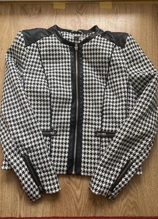 Пиджак в актуальной расцветке с кожаными вставками