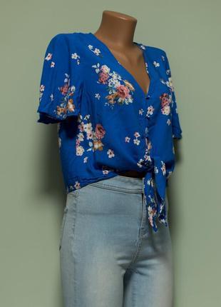 Актуальная легкая вискозная рубашка с завязками впереди2 фото