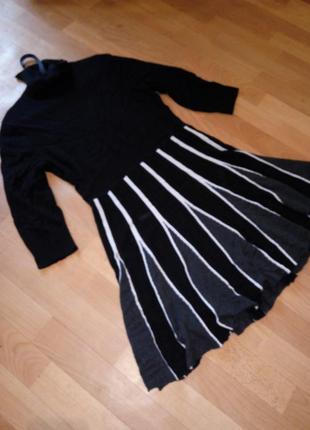 Теплое платье из вязанного трикотажа с высоким горлом xl
