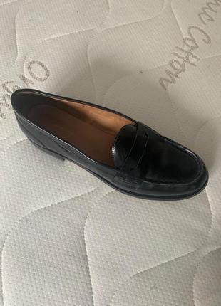 Лоферы, туфли лаковые чёрные