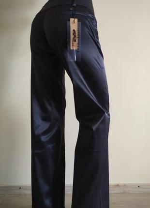 Женские брюки свободного кроя
