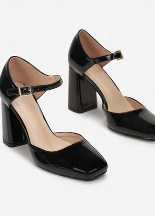Стильные туфли босоножки толстый каблук квадратный носок тренд