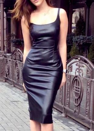Платье-футляр из итальянской эко-кожи на замшевой основе
