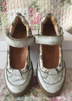 Моднючие ,удобные туфли, кеды, спортивного стиля на девочку