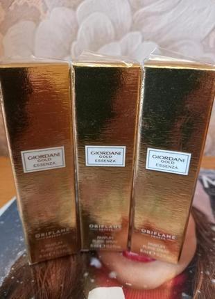 Парфюмерная вода giordani gold essenza. мини-спрей 8 мл