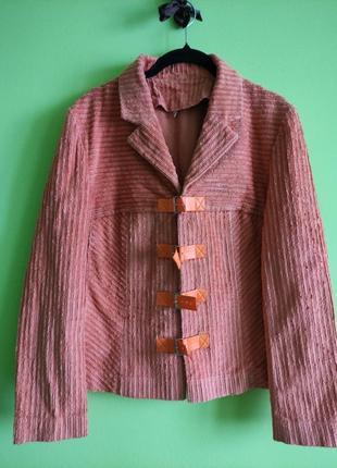Класний вельветовий піджак на більший розмір 16-18