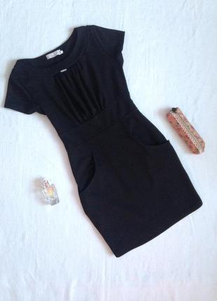 Чорне трикотажне плаття