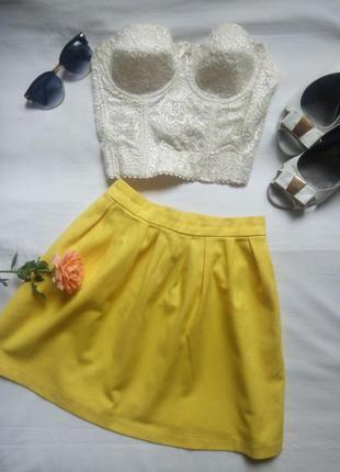 Желтая юбка-мини