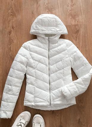 Біла куртка з капюшоном xs / белая куртка с капюшоном xs