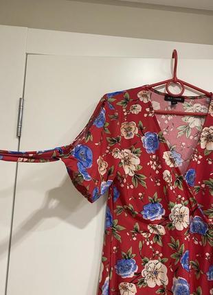 Літня оригінальна сукня qed london