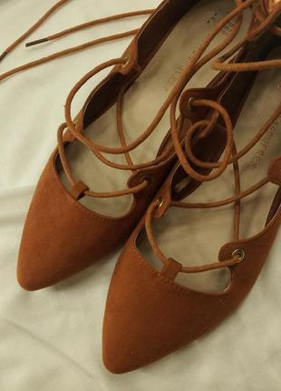 Крутые терракотовые балетки на завязках оранжевые atmosphere лодочки на шнуровке4 фото