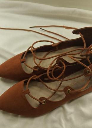 Крутые терракотовые балетки на завязках оранжевые atmosphere лодочки на шнуровке3 фото