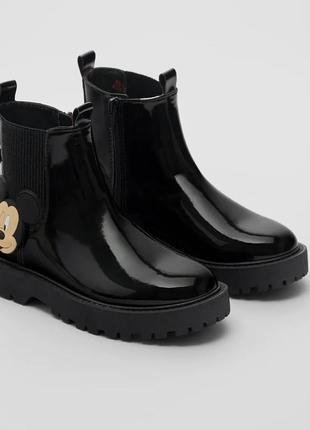 Лакированные ботинки zara «микки-маус», размер 36