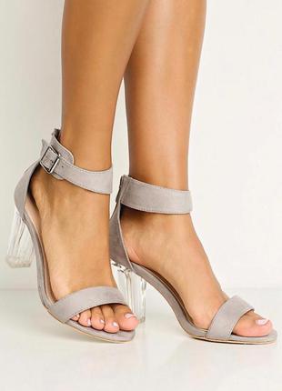 Шикарные босоножки с прозрачным каблуком girlhood