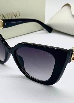 Valentino очки женские солнцезащитные черные бабочки