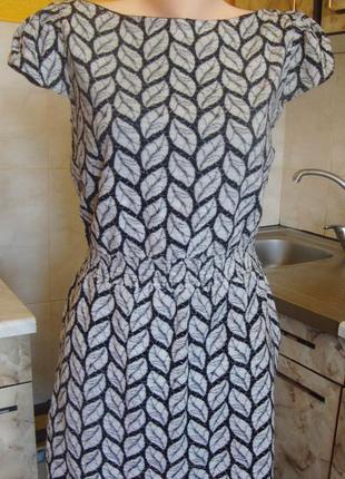 Платье черно-белое qed london размер м 75%котон, 20%нейлон, 5%эластан
