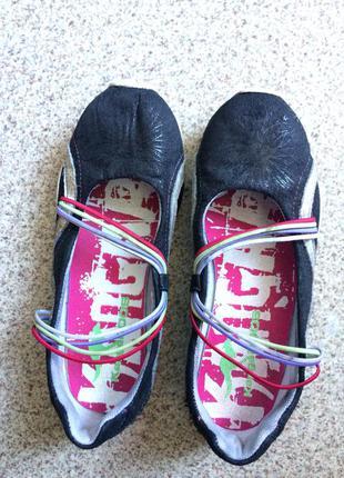 Отличные туфельки на девочку