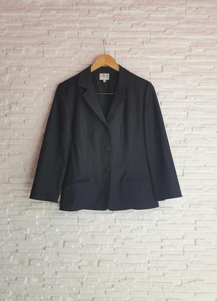 Легкий винтажный пиджак в класическом стиле armani collezioni
