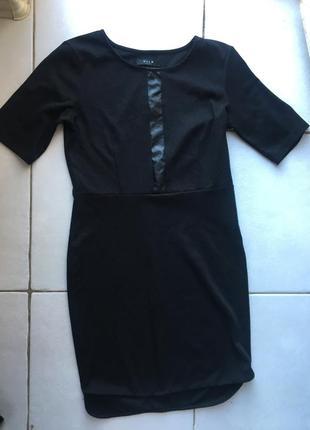 Модное чёрное платье