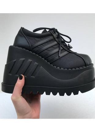 Demonia stomp 08 готические dollskill кроссовки ботинки на платформе оригинал массивные