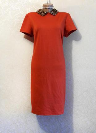 Яркое красивое морковное платье с воротничком