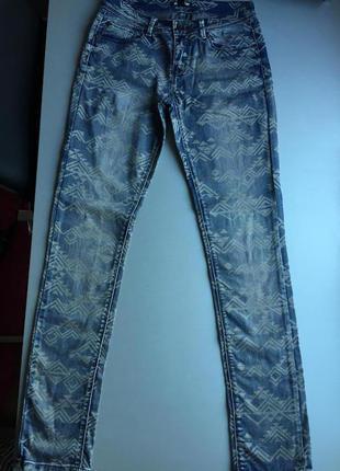 Продаю срочно! джинсы (jennyfer)
